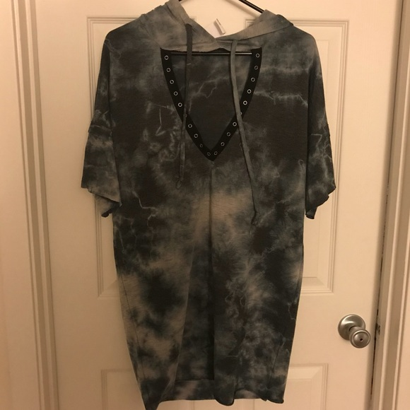 Tops - NWT hoodie tshirts dress